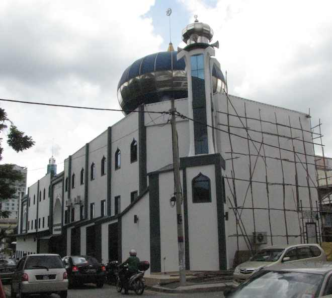 photo of the Masjid India mosque