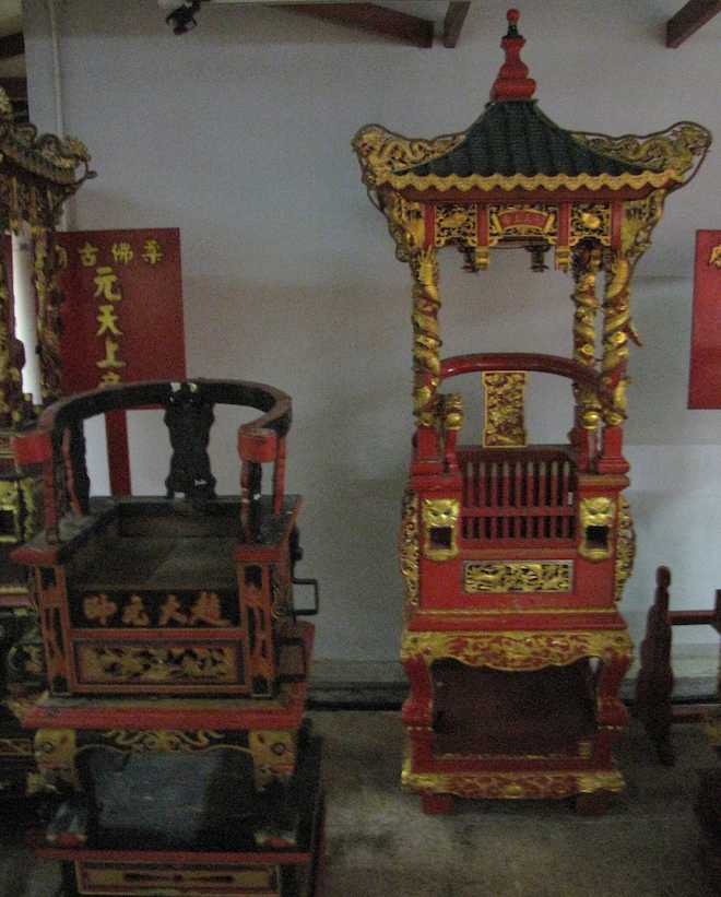 photo of Ceremonial chairs at the Old Chinese Temple