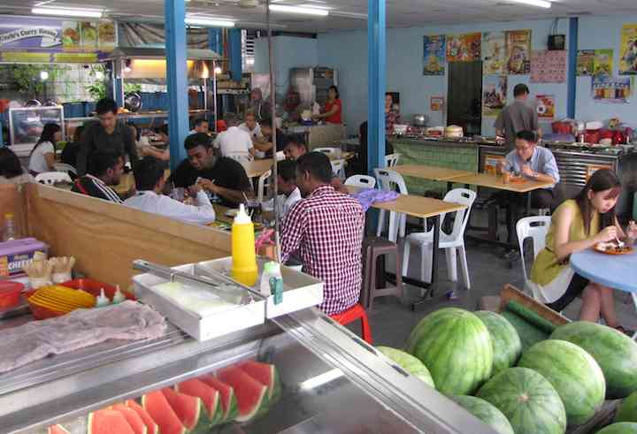 photo inside the food court
