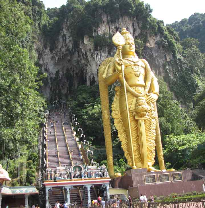 photo of the stairway to Batu Caves entrance