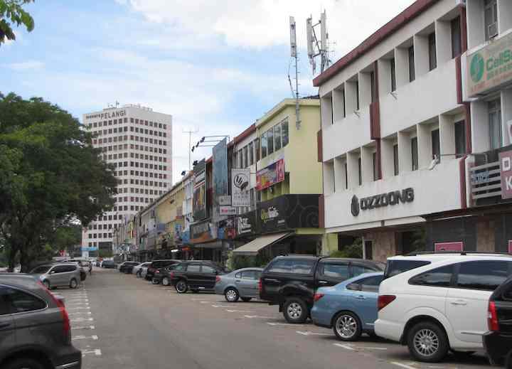 photo of shops along Jalan Kuning