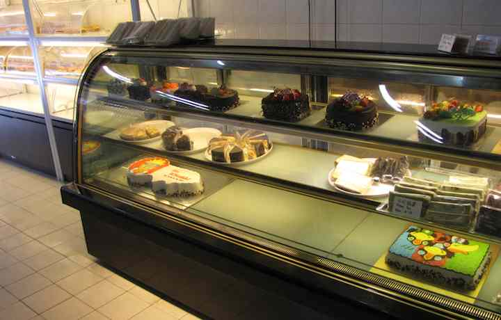 photo of display cases at Qi Bakery