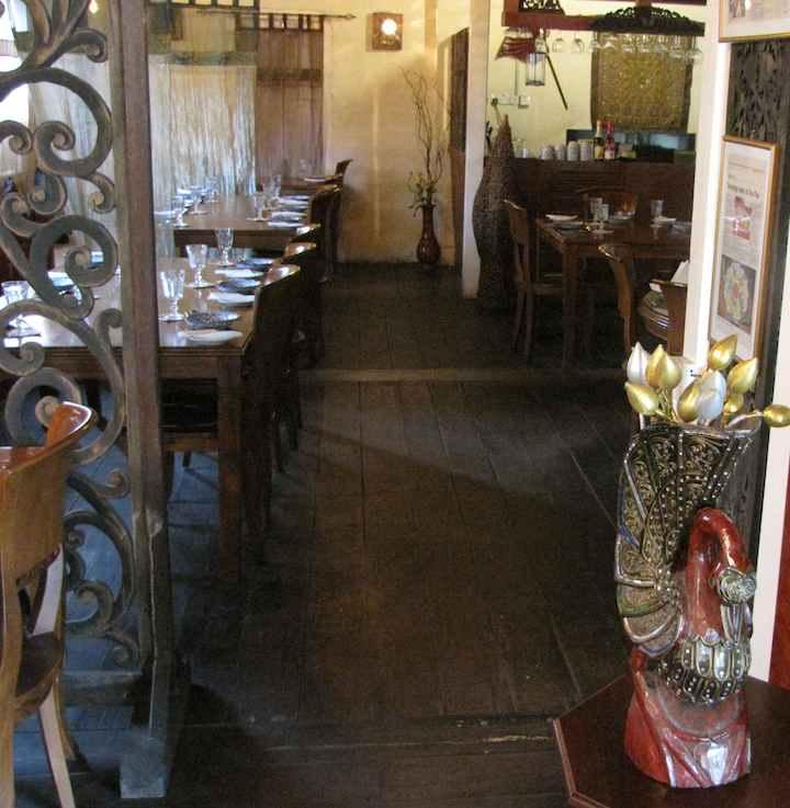 photo of the interior of Tera Thai