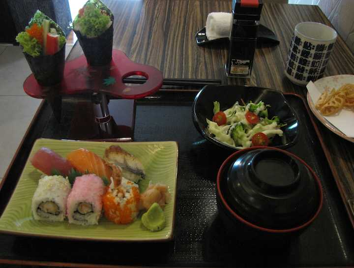 photo of sushi lunch special