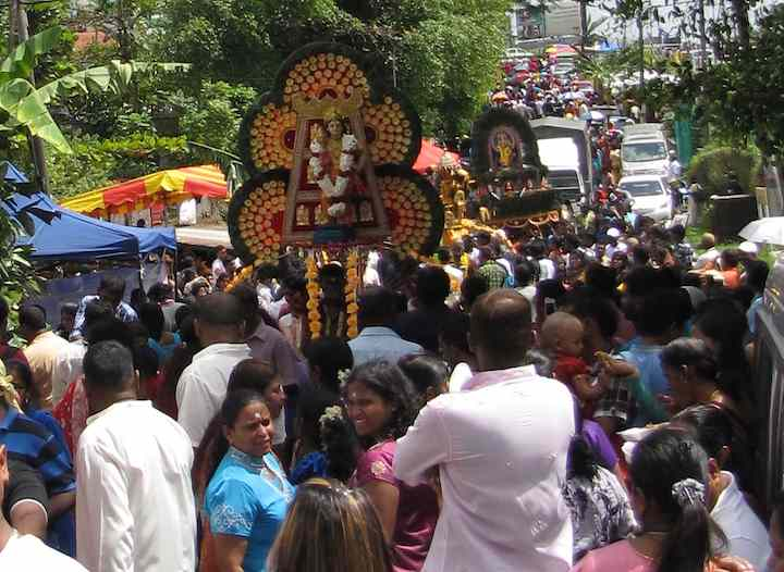 photo of Thaipusam crowd