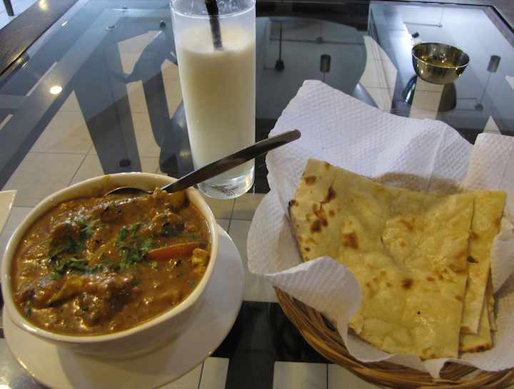 photo of naan, masala and lassi