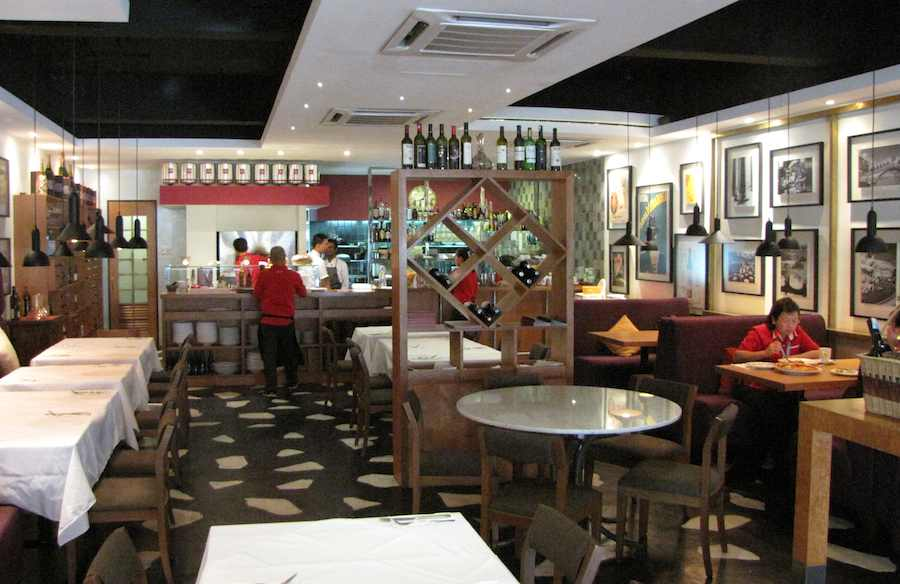 photo of the interior of Gianni's Italian Restaurant in Johor Bahru
