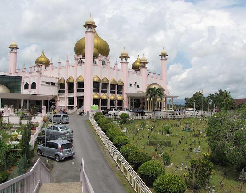 Masjid Bahagian Kuching, Malaysia