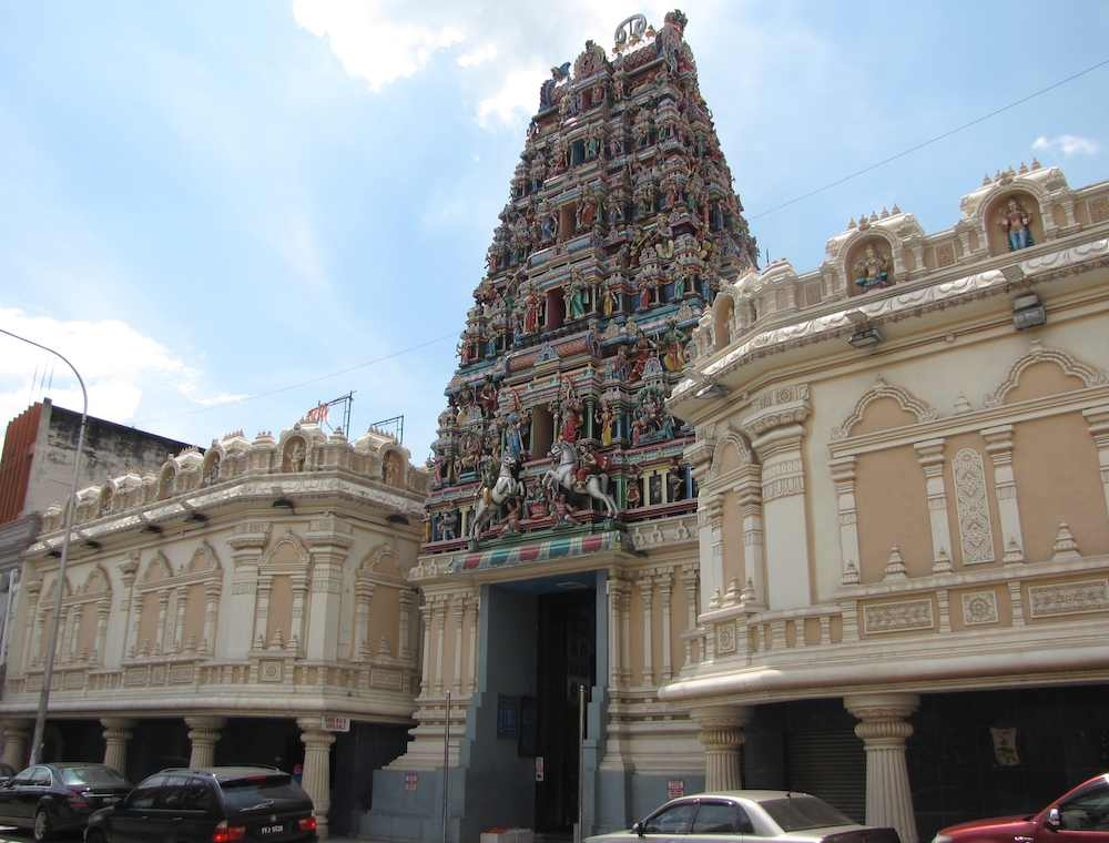 photo of Sri Mahamariamman Temple from the street